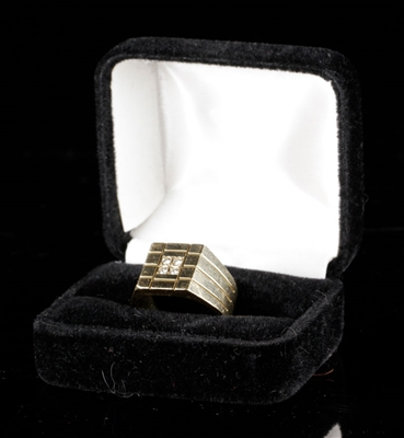 Mens 14K Gold and Diamond Ring