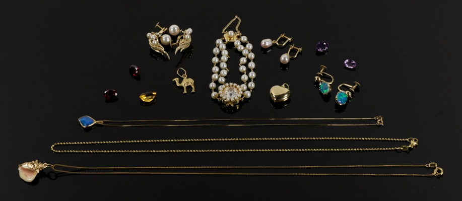 Assorted Lot of Gold Jewelry
