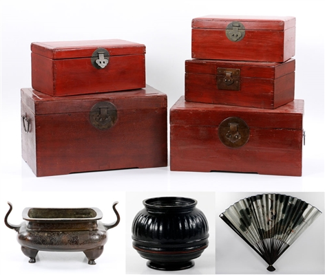Lot of Chinese Decorative Items