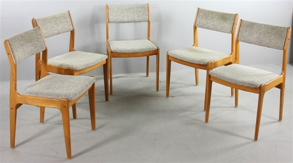 Set Of Five Mid Century Upholstered Side Chairs By Scandinavian Woodworks Co 32 H X 19 1 2 W 18 D