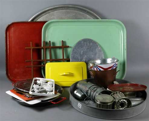 Miscellaneous Trays and Trivets