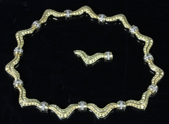 18k Gold Serpentine Diamond Necklace