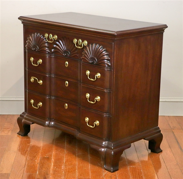 Kittinger Federal Style Chest of Drawers