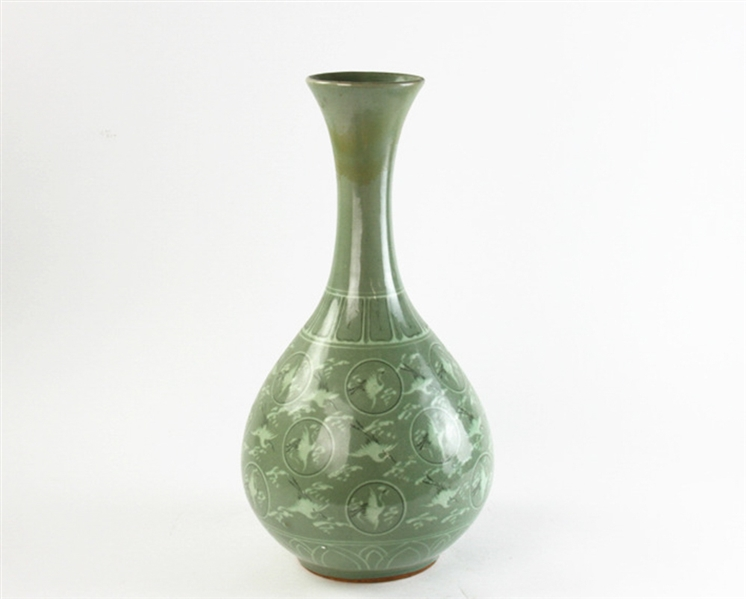 Korean Green Glazed Onion Form Vase