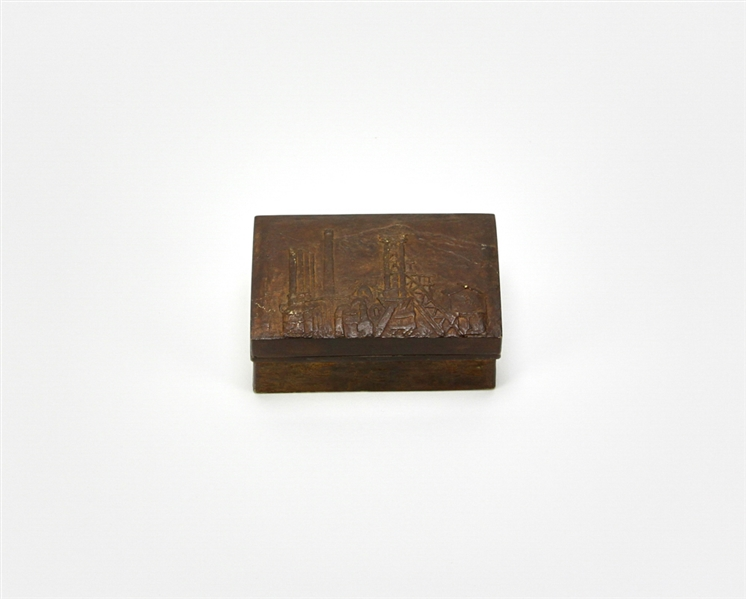 Japanese Bronze Box Depicting Mt. Fuji