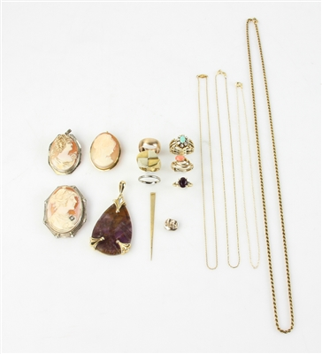 Collection of Miscellaneous Gold Jewelry