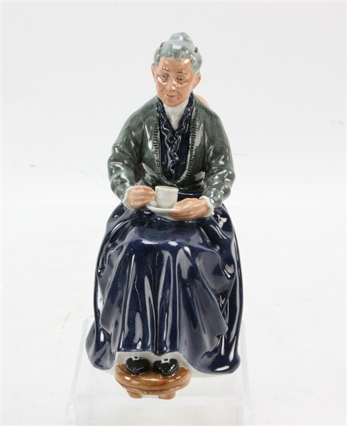 (8) Royal Doulton Character Figures