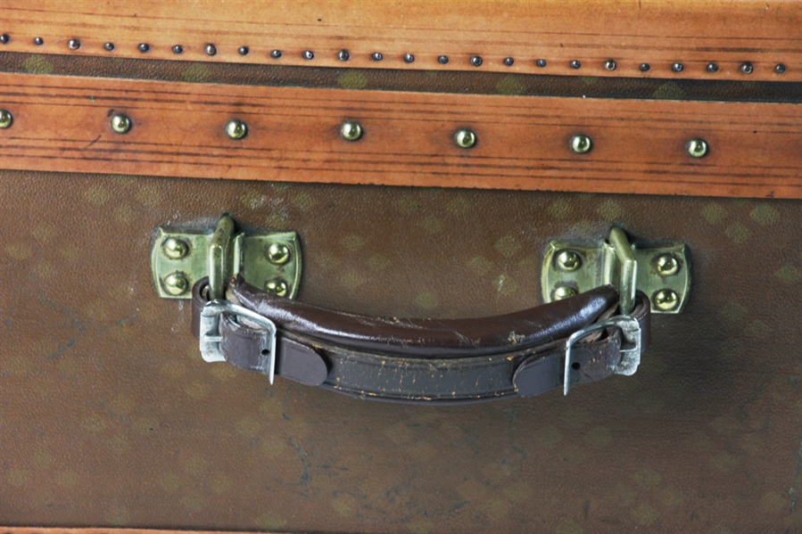 Aux Etats Unis French Leather Suitcase