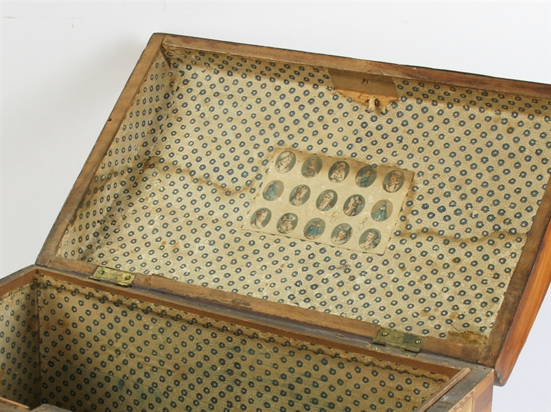 Early 19thC Inlaid Burlwood Dome Top Box