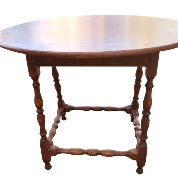 18thC New England Oval Top Tavern Table