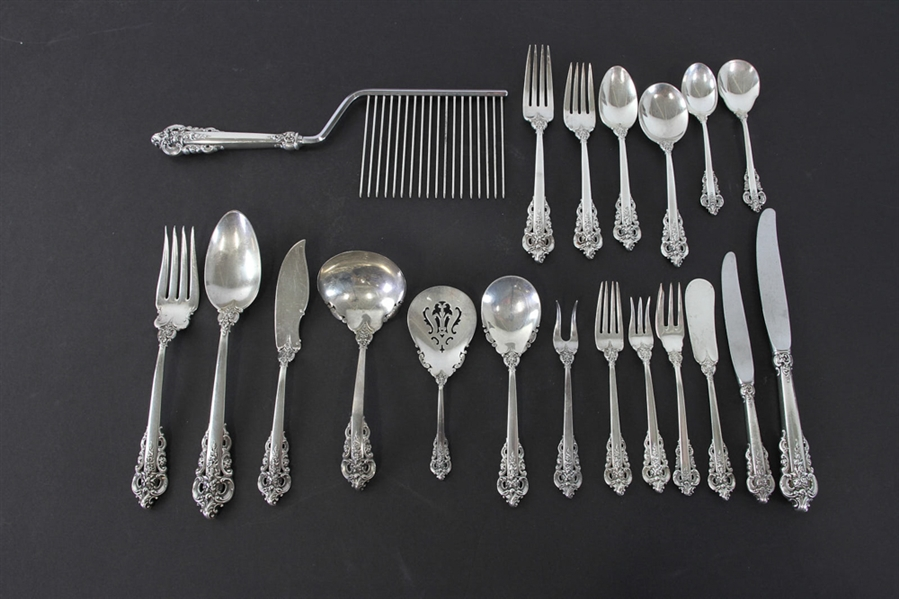Wallace Grand Baroque 1941 Sterling Service for (12)