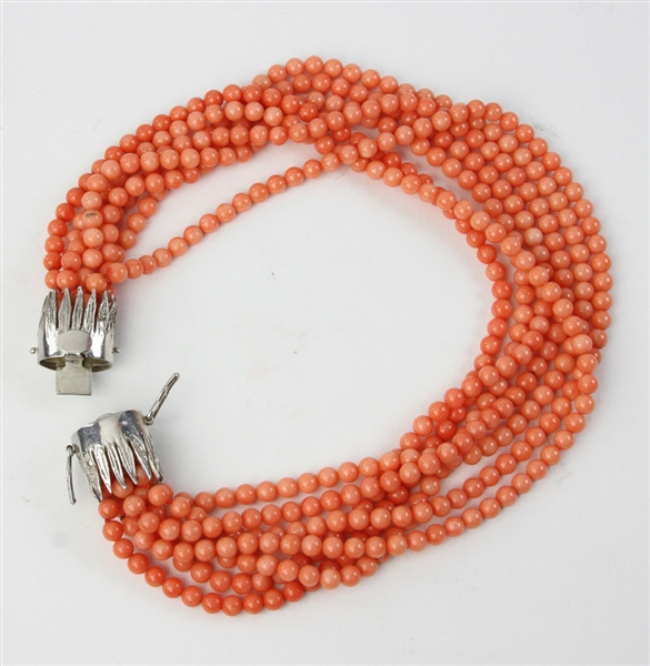 Old Exceptional Natural Coral Necklace