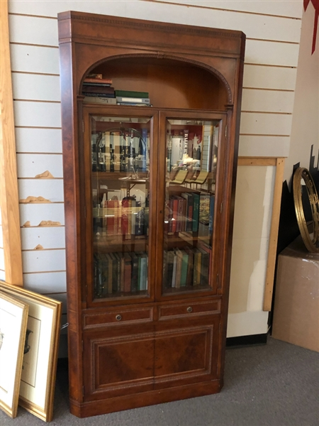 BOOKCASES (TOP AND BOTTOM) Lot/2
