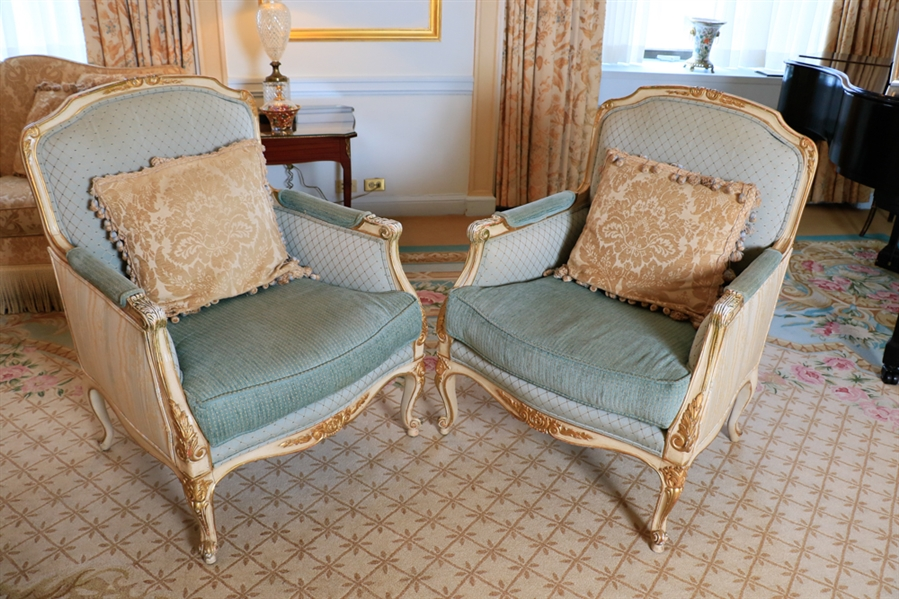 Pair matching French fauteuil carved gilt wood and white painted with silk upholstery 40x2928