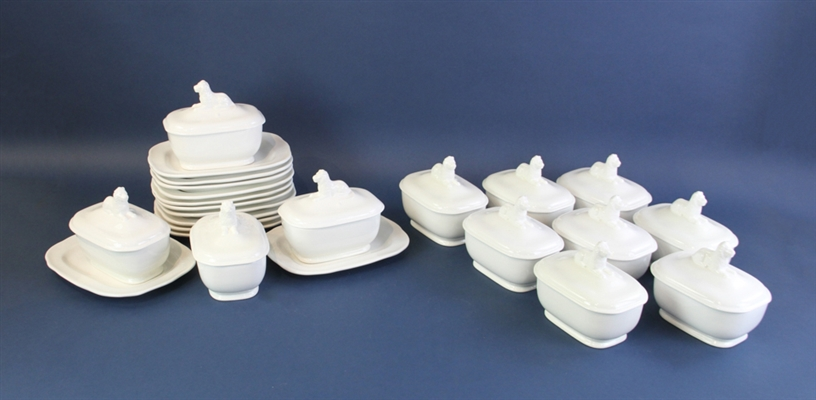 Creamware Covered Lion Soup Bowls with Underplates